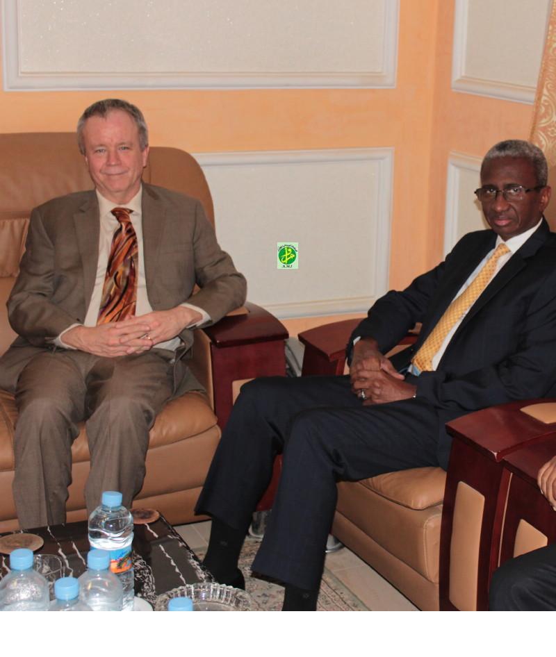Mauritanie : Le ministre de la défense reçoit l'ambassadeuraméricain
