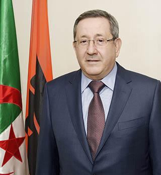 L'Algérie va raffiner une partie de son pétrole brut en Italie, selon le PDG deSonatrach