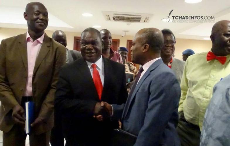 Tchad : le gouvernement coupe les salaires des fonctionnaires (PAPIERGENERAL)