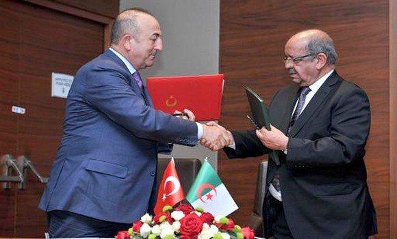 Algérie-Turquie: signature de sept accords de coopération dans diversdomaines