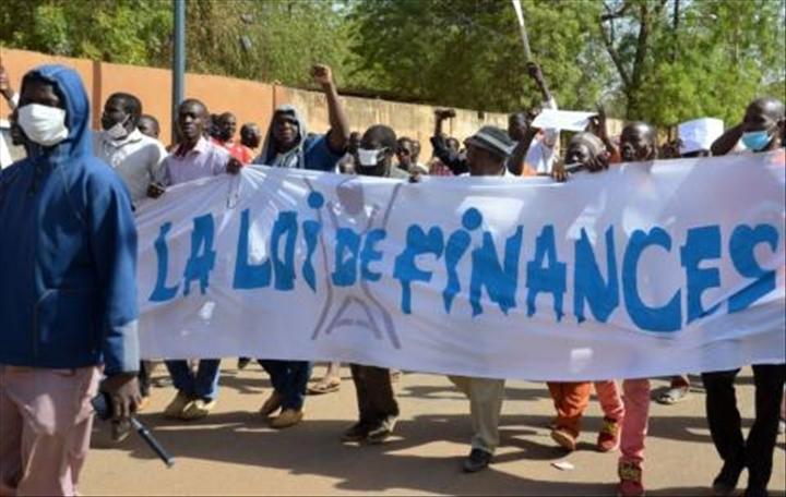 Niger: libération de sept militants anti-loi definances