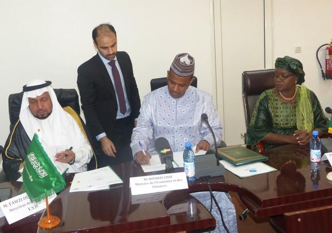 Mali – Ministère de l'Economie et des Finances: Signature d'accord de prêt avec l'Arabie Saoudite et laBOAD
