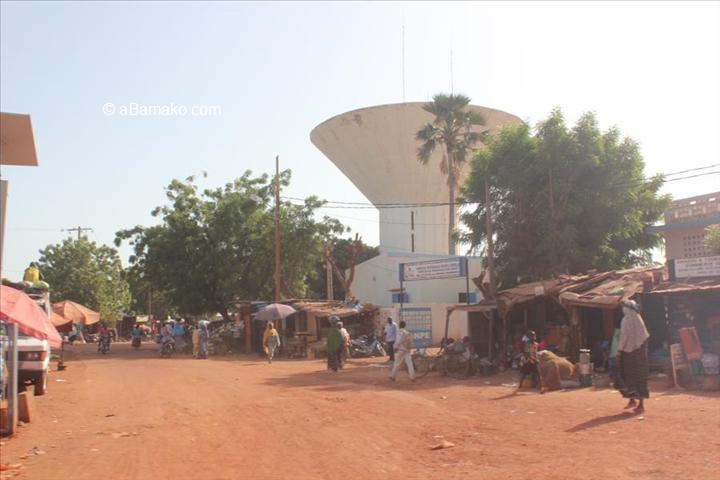Mali – Crise au centre du Mali : La jeunesse peulh dans larue
