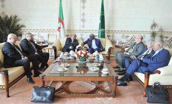 Entretien à Alger entre MM. Messahel et Faki Mahamat #Mali #Algérie #UA#Buyoya