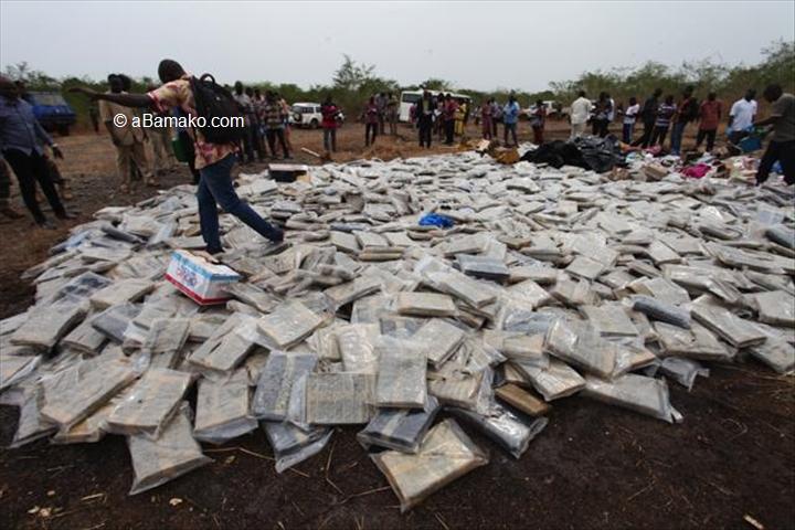 Mali – Brigade des stupéfiants: la Police débarrasse le marché malien de 250kg decannabis