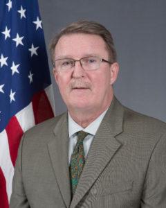 Niger/USA – l'ambassadeur des États-Unis au Niger, M. Eric P. Whitaker, et le major général J. Marcus Hicks, commandant de U.S. SOCAF sur l'exercice militaire #Flintlock 2018 auNiger
