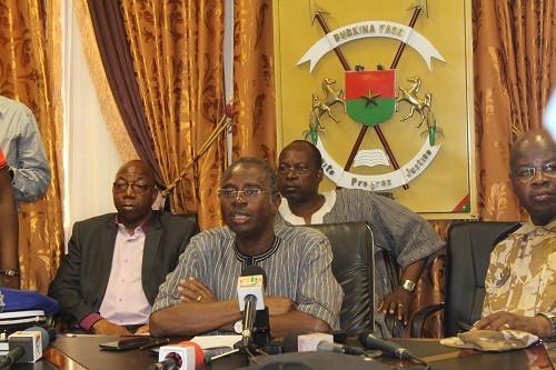Burkina Faso: les terroristes détenaient des tenues militaires burkinabè et françaises#Rayongo