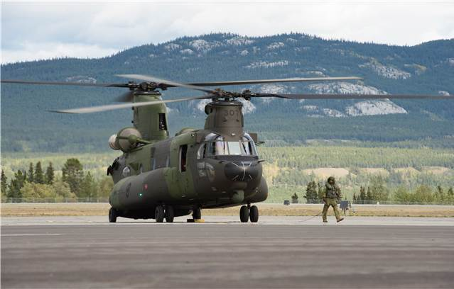 Mali/Canada – Petawawa helicopter crews training in Alberta for Mali mission – Canadian helicopters in Africa in July