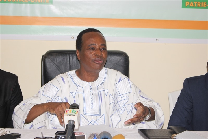 Burkina: Blaise Compaoré n'a pas renoncé au pouvoir et compte y revenir, selon EtienneTraoré