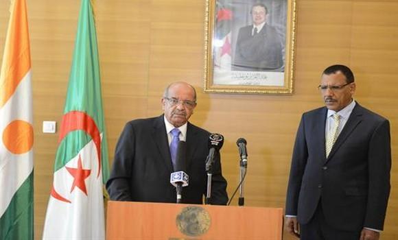 Algérie-Niger: échange de vues sur les défis auxquels est confrontée la région duSahel