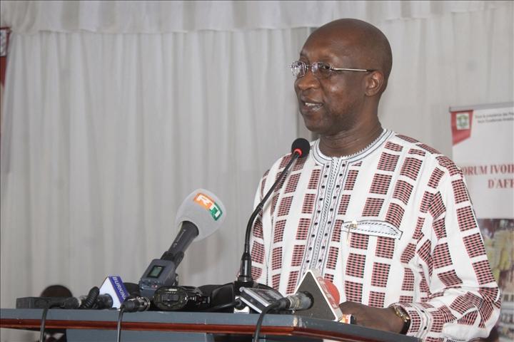 Burkina – Lutte contre le terrorisme: le Premier ministre sollicite le concours des religieux et descoutumiers