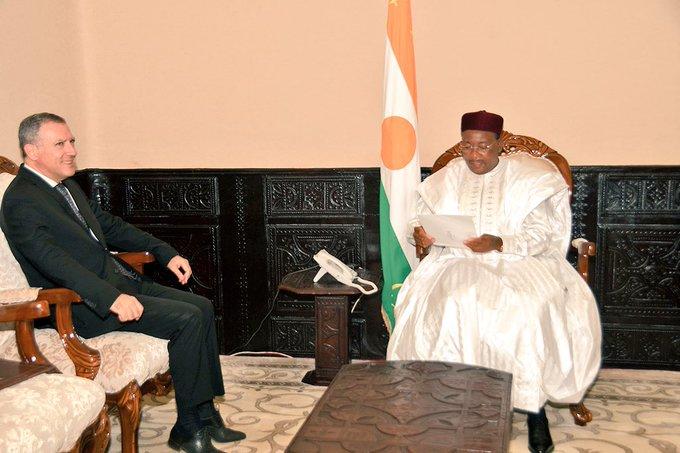 Niger – L'ambassadeur de France porteur d'un message du Président Macron à son homologue nigérien (14/09)#G5Sahel