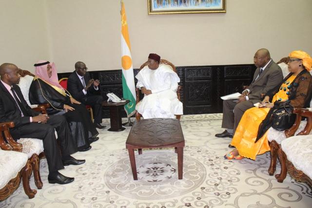 Niger – Le chef de l'état reçoit l'ambassadeur du royaume Arabie saoudite auNiger