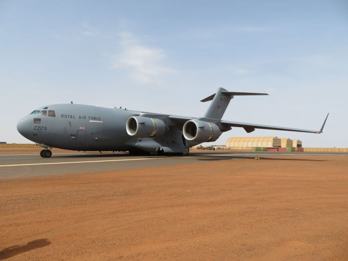 UK/Mali – Royal Air Force C-17 aircraft arrives in Mali for the first time