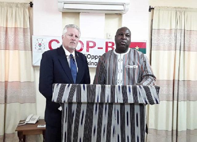 Burkina Faso : L'ambassadeur des Etats-Unis et le porte-parole de l'opposition échangent autour des préoccupationsnationales