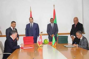 Mauritanie/Tunisie – 20 accords et mémorandums signés, au terme de la visite de Chahed enMauritanie
