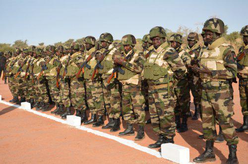 Niger – Fin de la visite du Chef d'Etat-major des Armées dans les casernes de la région deDiffa