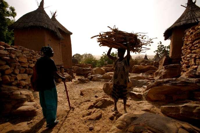 Nouvelles violences dans le centre du Mali, au moins 13 civils tués en unesemaine