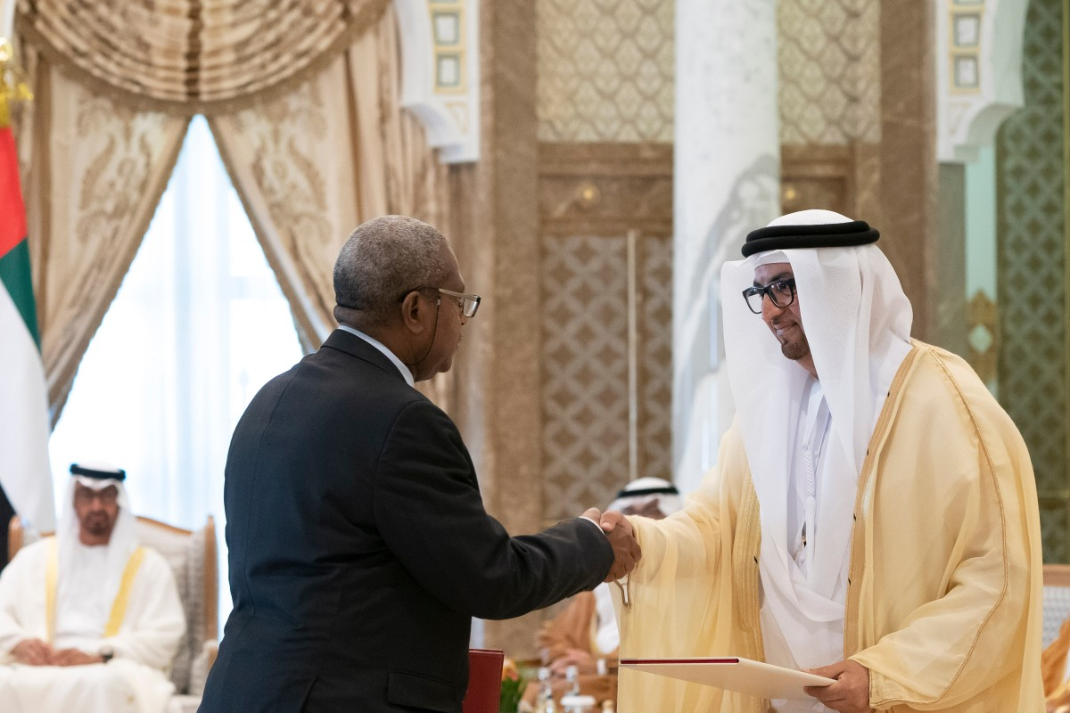 Niger – Abu Dhabi Crown Prince, President of Niger attend signing of bilateral agreements