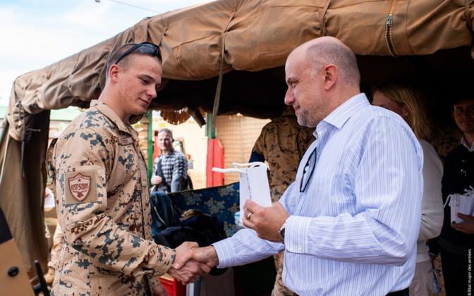 Mali/Estonia – Defence minister meets EDF personnel inMali