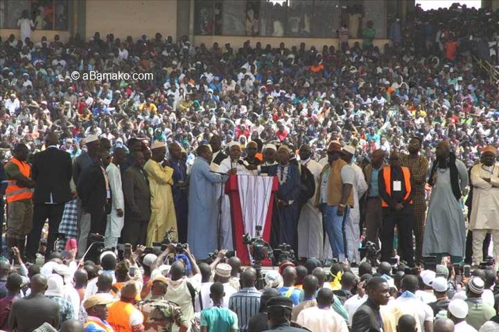 Mali – Rassemblement des musulmans au stade 26 mars : Une journée de prière à l'allure d'un meetingpolitique