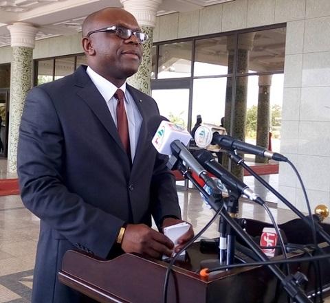 Burkina – Le ministre de la Communication vent débout contre « la propagande terroriste»