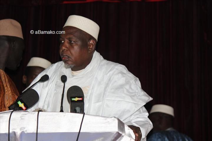Mali – Un influent imam malien lance son mouvement et fait un pas de plus enpolitique