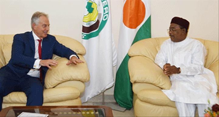 Niger / UK – Le Président Issoufou Mahamadou s'est entretenu avec l'ancien Premier Ministre britannique Tony Blair et le Président de laBAD