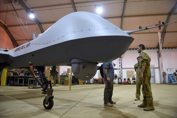 Niger : les drones français de l'opération Barkhane seront bientôt armés debombes