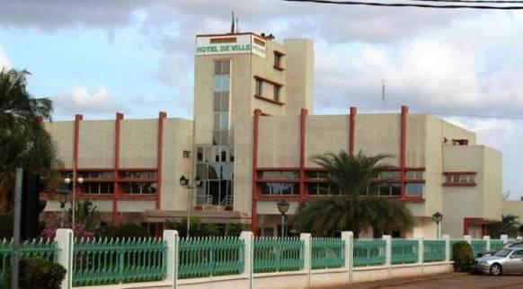 Burkina Faso – Marche-Meeting contre la présence de bases militaires étrangères : « inopportune », selon lamairie