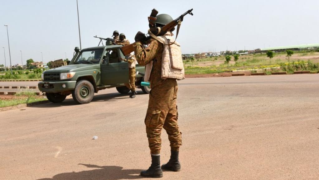 Burkina Faso : le Parlement autorise l'armée à recruter des volontaires dans le cadre de la lutte contre leterrorisme