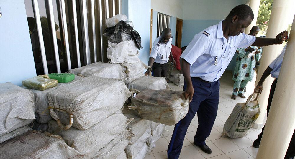 """Dakar, a """"White"""" Queen of West Africa DrugTrafficking"""