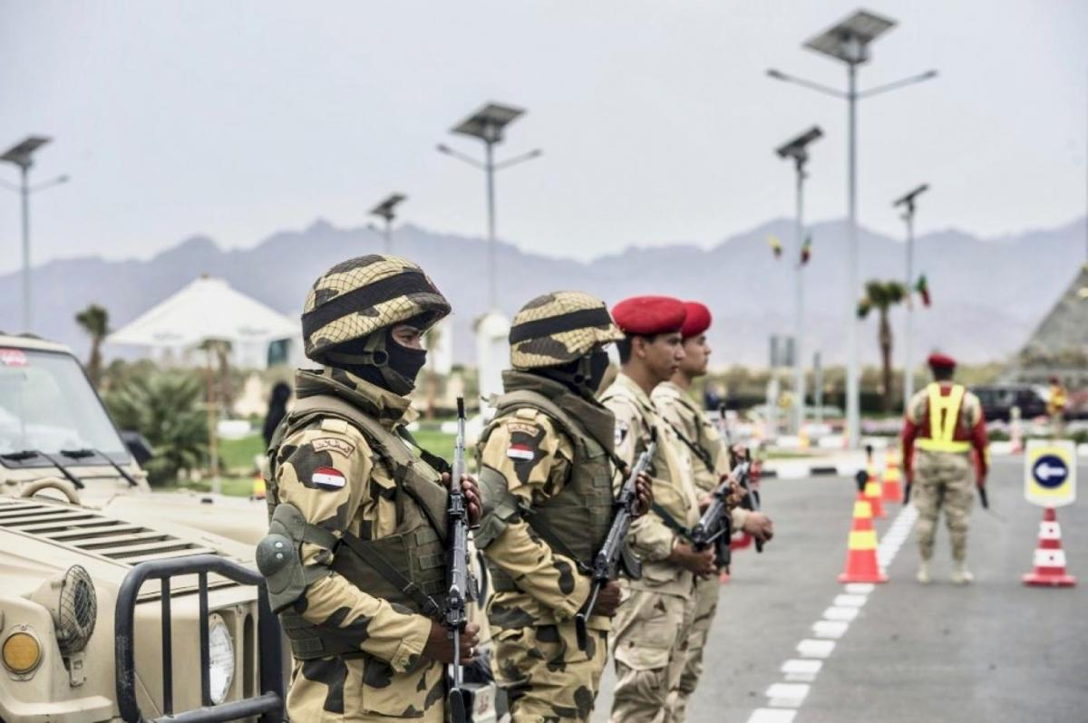 Egypt approves sending armed forces to fight outside western borders