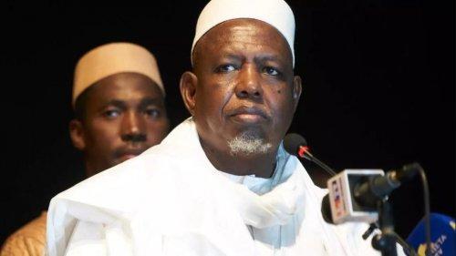 Mali : l'imam Dicko met en garde lajunte
