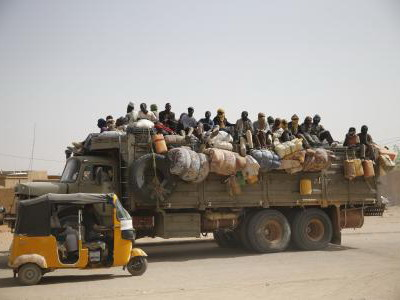 More than 100 migrants arrested in Niger near Algerian border
