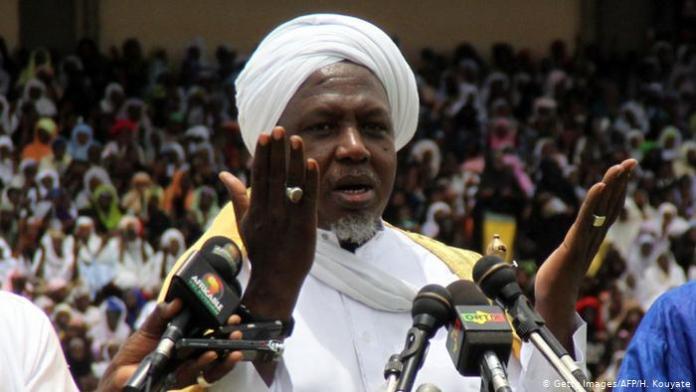 Mali – Mahmoud Dicko: Mali'sAlbatross